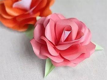 玫瑰花的折法步骤图,皱纹纸玫瑰花的折法