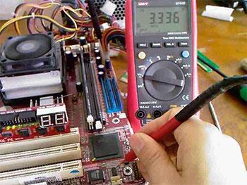 主板复位电路工作原理及维修