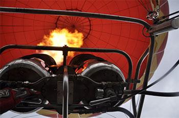 热气球燃烧器就是喷火器吗?