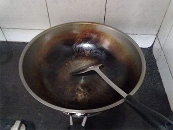 如何保养铁锅