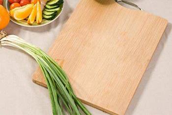 竹砧板好还是木砧板好?
