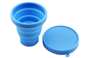 硅胶折叠水杯安全吗?可以装开水吗?