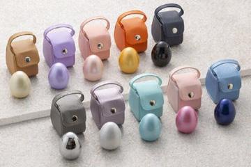 日本流行迷你骨灰盒,颜色多彩可随身携带